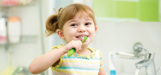 child brushing teeth – banner